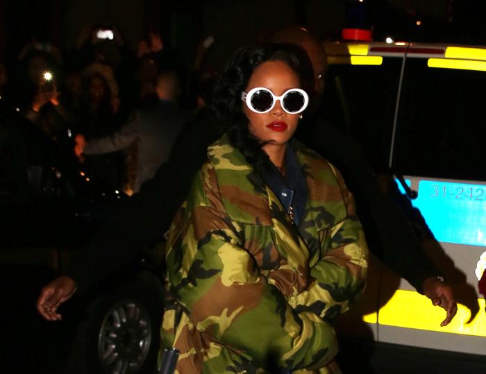 Rihanna anländer