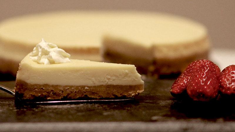 """""""Folk är inte medvetna om hur god den originella cheesecaken egentligen är,"""" berättar Arild Hildeman."""