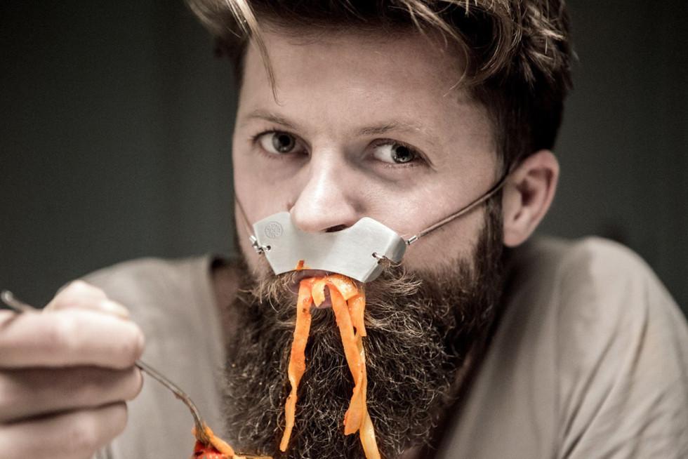 Med The Stash Shield kan du äta hur kladdig pasta som helst och ändå vara fräsch som en nyponros efteråt.